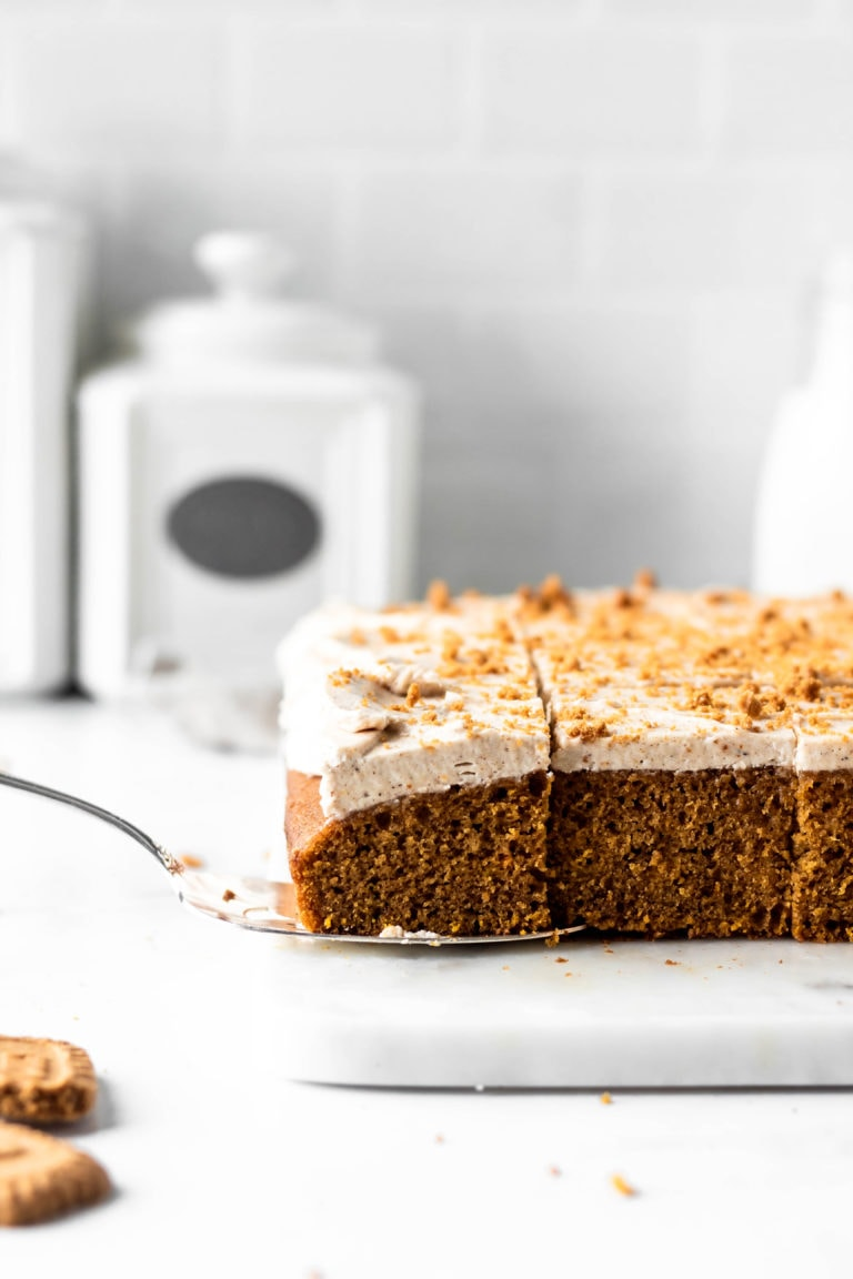 pumpkin chai cake sliced