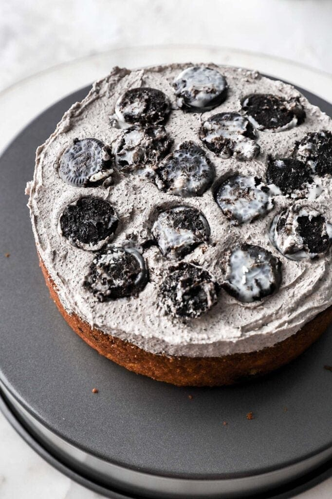 frosting with oreos