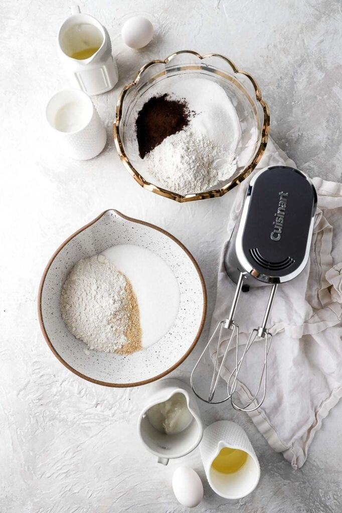 cordless hand mixer with dry ingredients