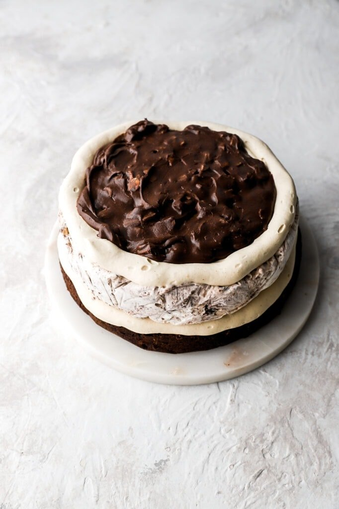 moose tracks ice cram cake assembly process